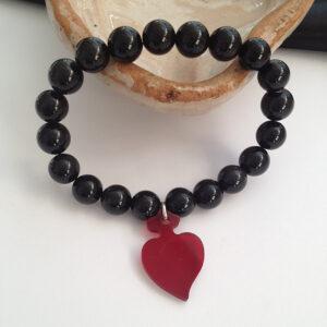 Perle di ossidiana e cuore rosso